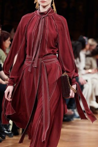 Stella McCartney Herbst/Winter 2020-2021 Ready-to-Wear – Fashion Shows | Vogue Germany