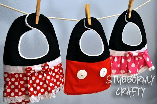 Mickey Mouse and Minnie Mouse bibs tutorial | Craft Ideas | Pinterest