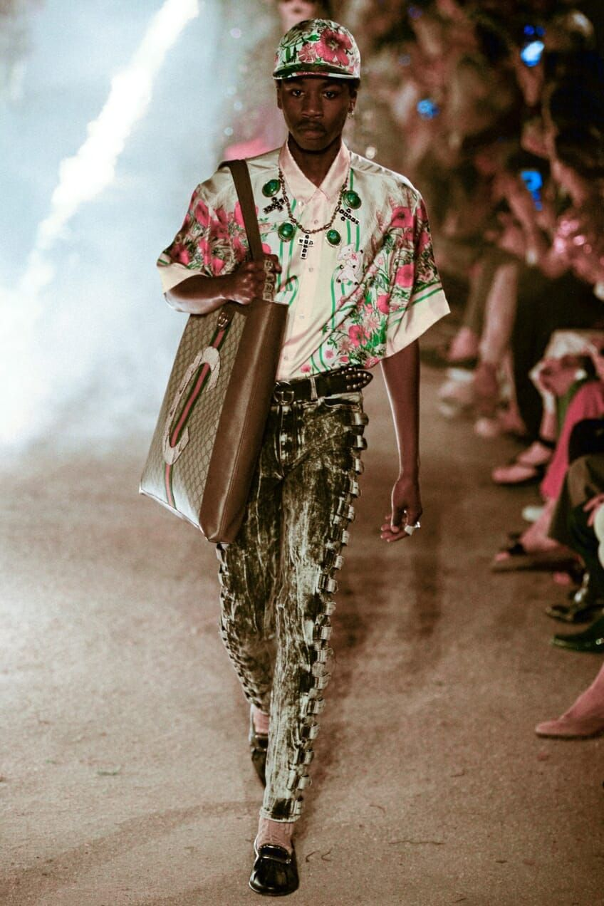 Gucci Cruise 2019 ❤ ❤ ❤   Fashion Products   Haute couture ... 96dc57fb709