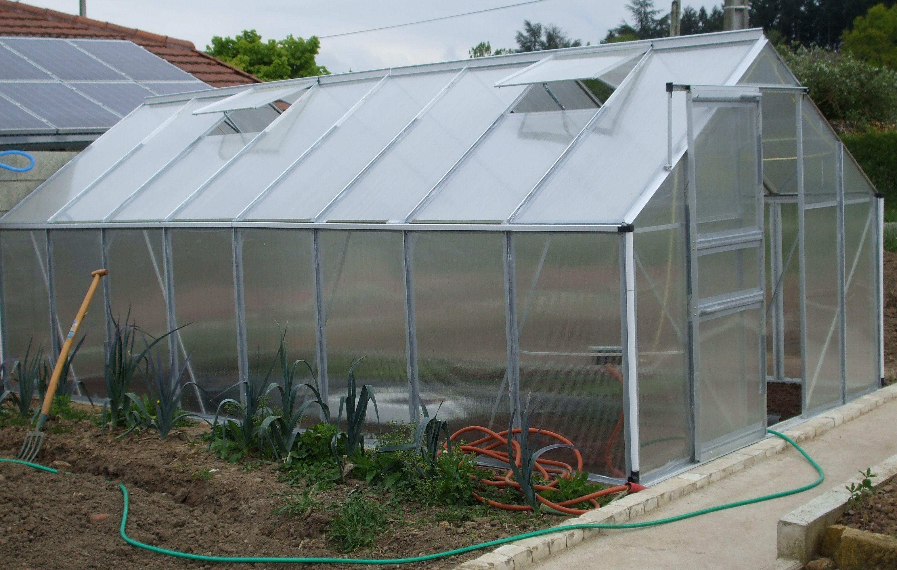 Pour La Protection De Vos Cultures Misez Sur La Serre De Jardin En Aluminium Potager Jardinage Serre Jardin Serre De Jardin Polycarbonate Canape Jardin