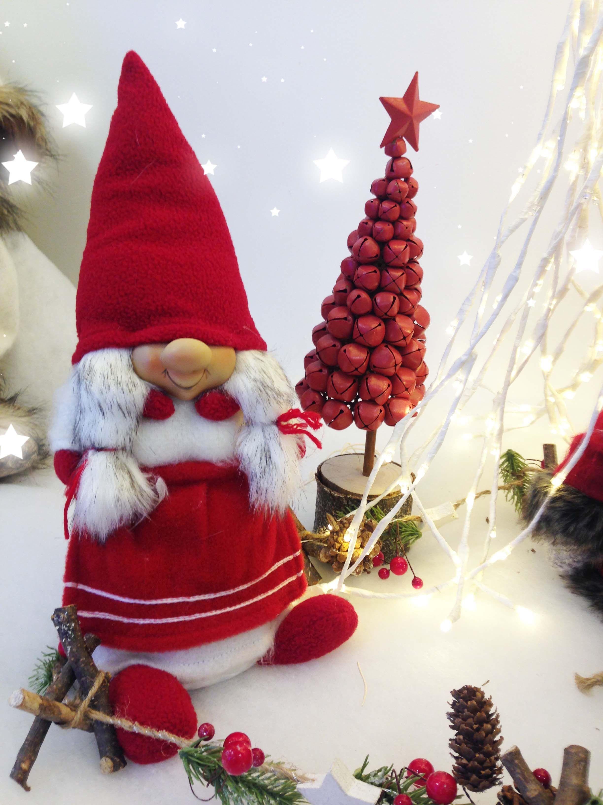 Addobbi Di Natale Immagini.La Parte Piu Bella Delle Feste E Decorare Ogni Angolo Della Casa Con Addobbi Di Natale Vacchetti Vacchet Ornamenti Natalizi Decorazioni Di Natale Natale