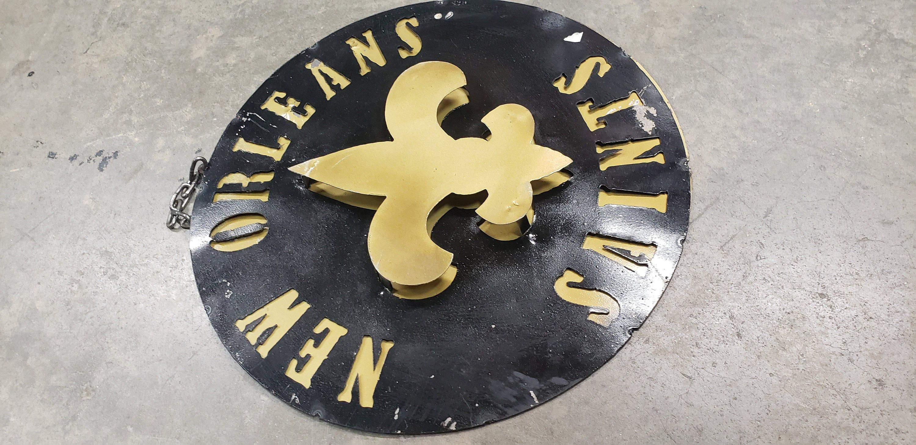 Saints Metal Sign Who Dat Sign New Orleans Metal Sign Saints Fan Decor Saints Wall Decor Bedroom Signs Wal In 2020 Metal Signs Wall Signs Custom Wall Decor