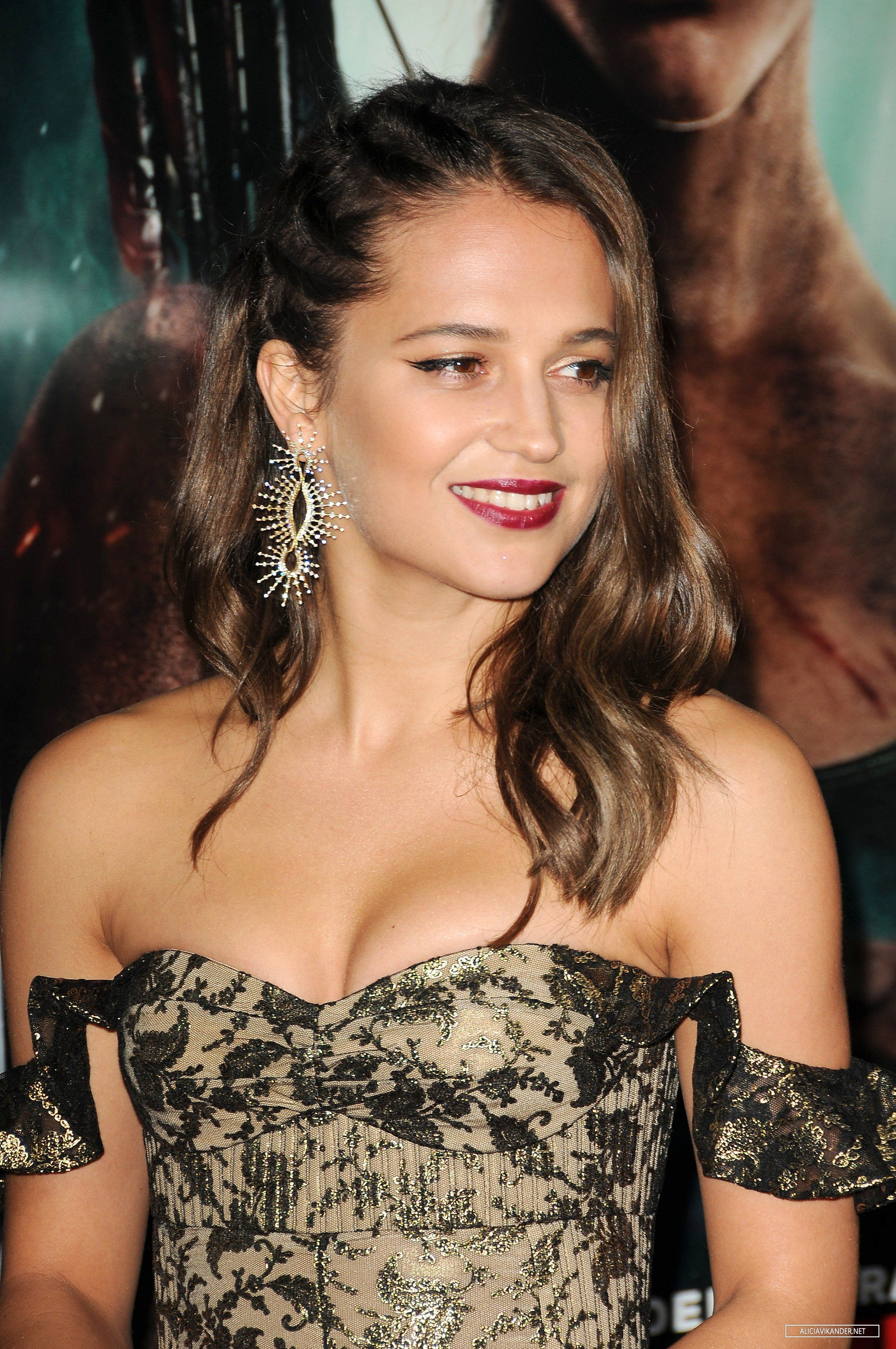 Alicia Vikander sexy dress Tomb Raider premiere | red ...