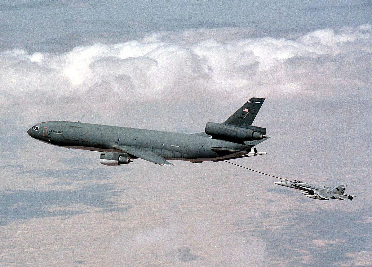 Defense Dept. news photo Us military aircraft, Usaf, Air