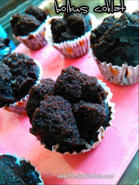 Resep Membuat Bolu Kukus Coklat Empuk Mekar No Telur No Mixer Makanan Ringan Gurih Kue Mangkok Coklat Makanan Manis