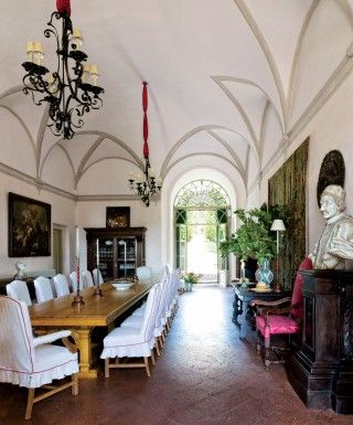 Traditional Dining Room By Camilla Guinness And Bolko Von Schweinichen In Tuscany Italy
