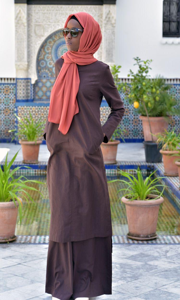 cae60369154 LONGUE TUNIQUE ÉBÈNE LIN COTON Ramadan 2017 lookbook grande Mosquée de Paris  - vestiaire de la femme musulmane  longues robes abaya