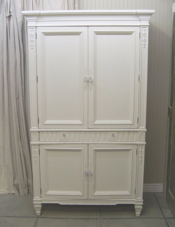 Shabby White Thomasville Wardrobe Armoire / Cabinet ...