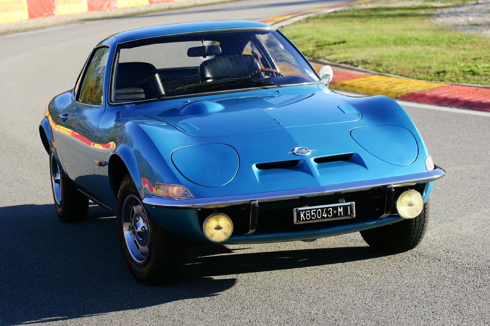 opel gt 1900 in blue old cars trucks i like. Black Bedroom Furniture Sets. Home Design Ideas