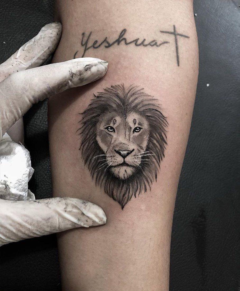 Leãozito 🦁💕 #miniliontattoo #liontattoo #armtattoo #realismtattoo #animaltattoo #electricink #tattoo2me #tattoo2us #tattoodo