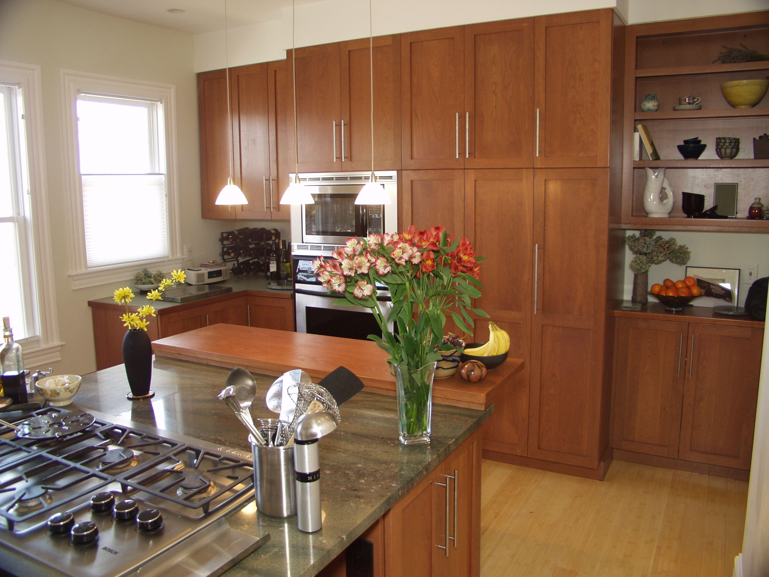 Cinnamon Maple Cabinets Google Images Maple Kitchen Cabinets Best Kitchen Cabinets Kitchen Cabinet Inspiration