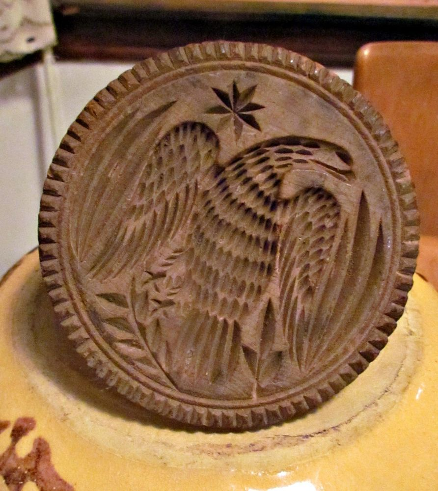 4.25in wide Piecrust edge No cracks antique 19th C american primitive carved wooden eagle butter stamp aafa #NaivePrimitiveamericanafolkart