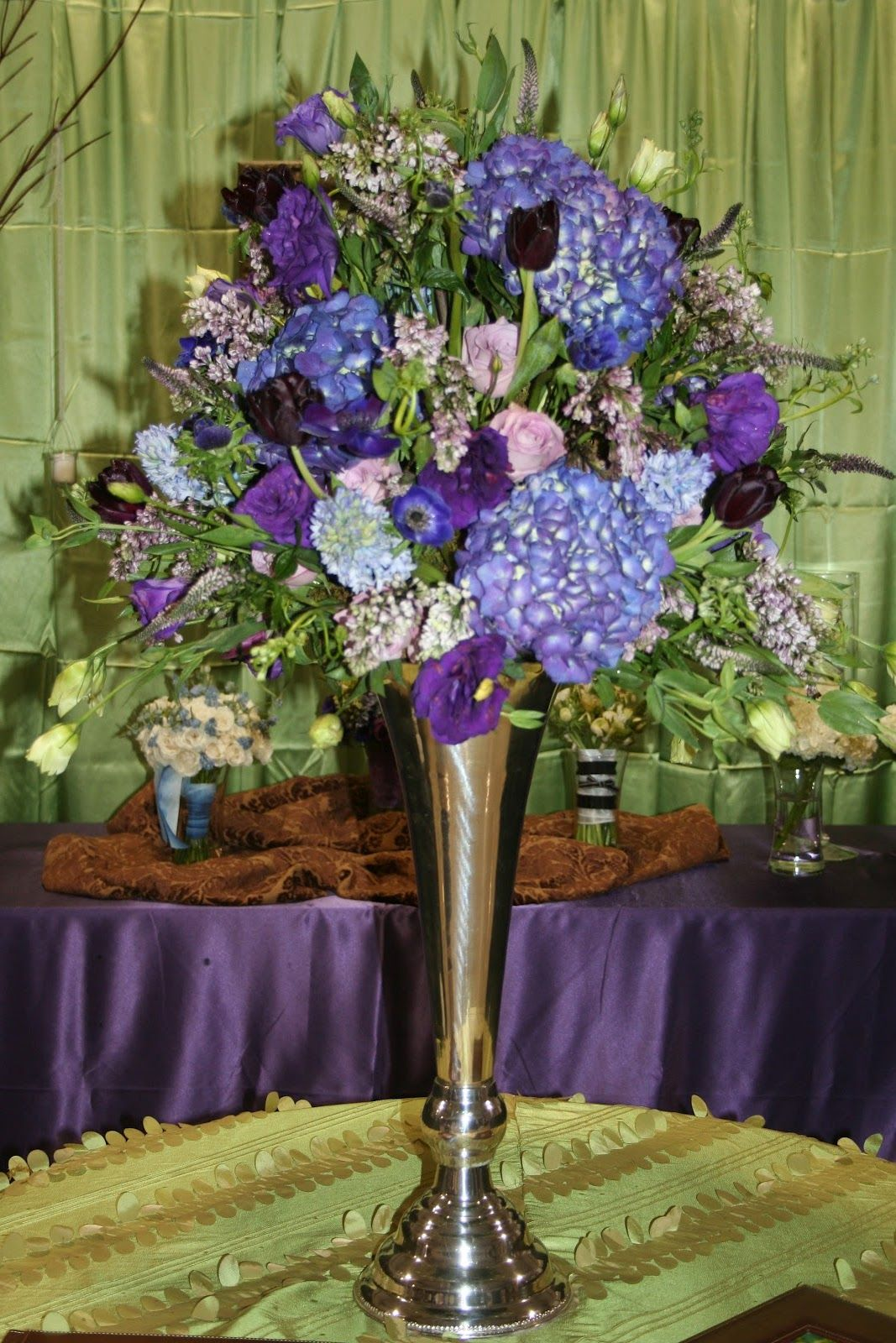 Unforgettable Floral Purple And Blue Flower Arrangements Blue Flower Arrangements Flower Arrangements Purple Flower Arrangements