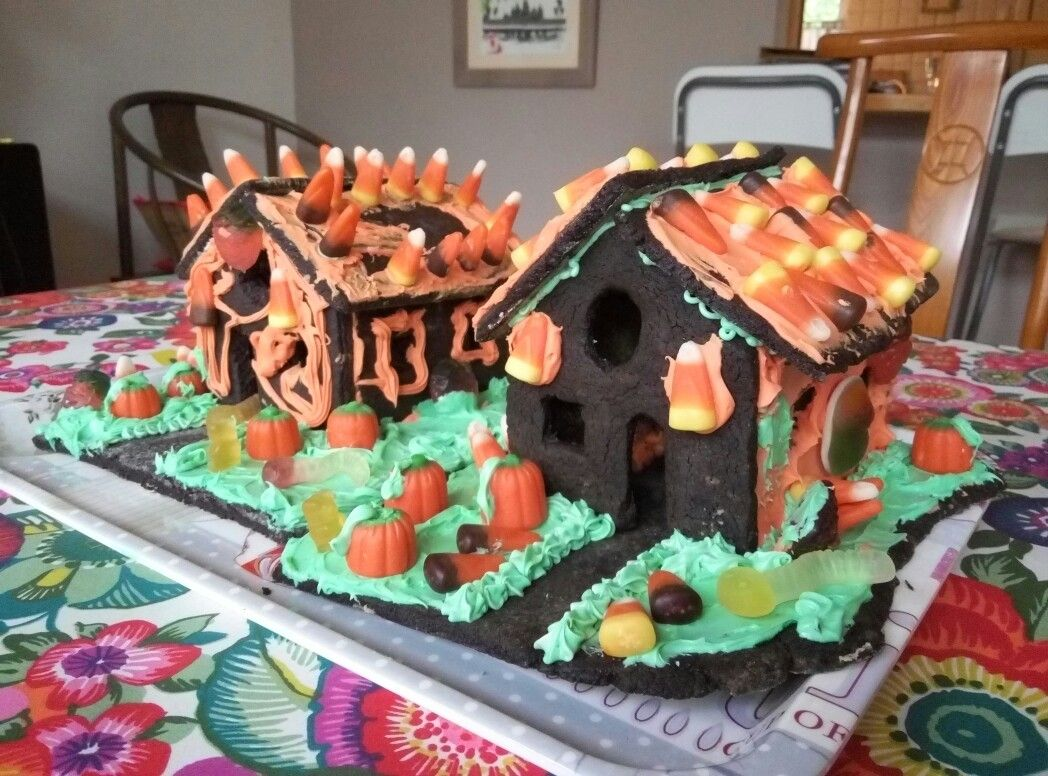 Haunted Halloween cookie houses gingerbread houses Pinterest - halloween houses decorated
