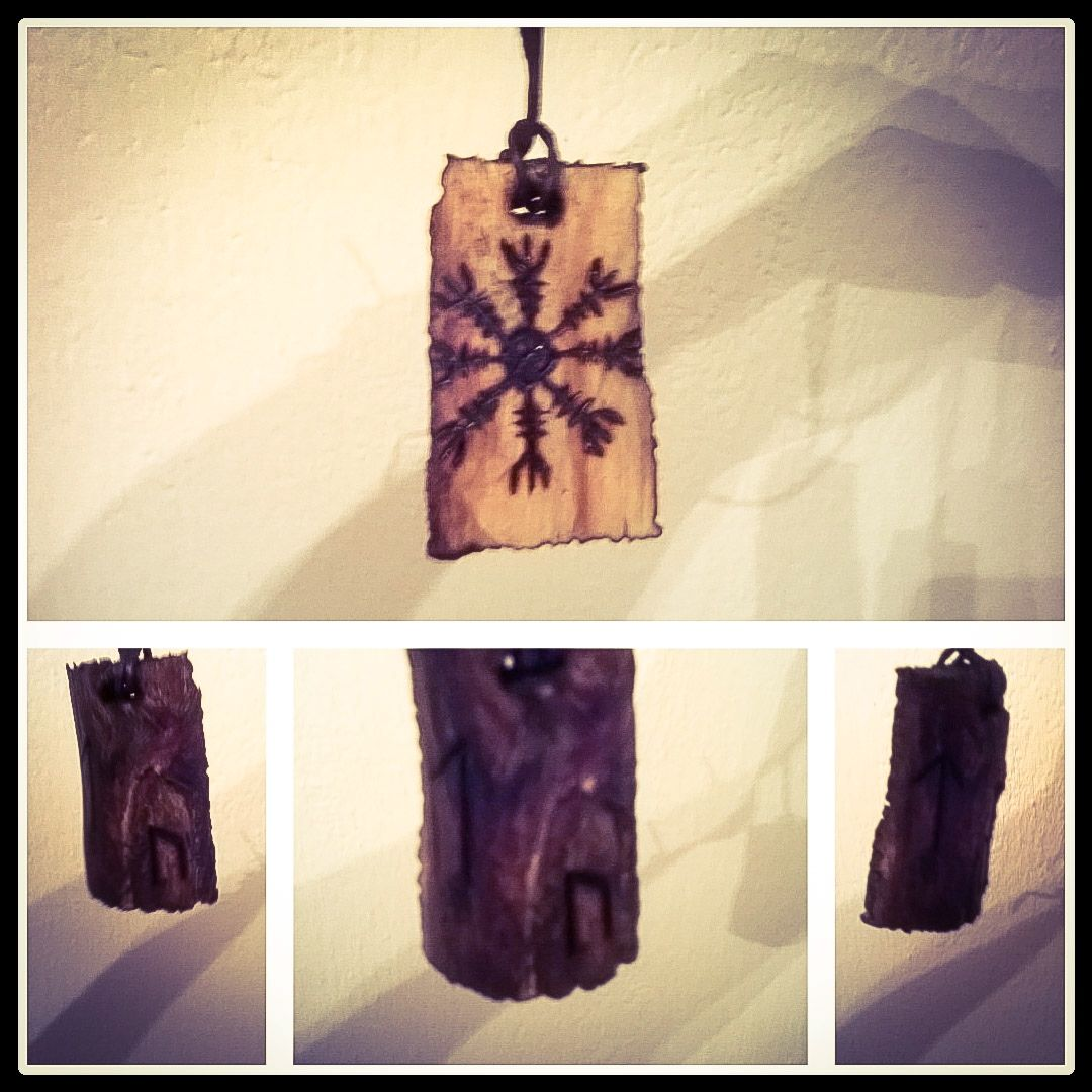 ægishjálmr wooden and hand crafted pendant, also Uruz and Tyr runes in the back.