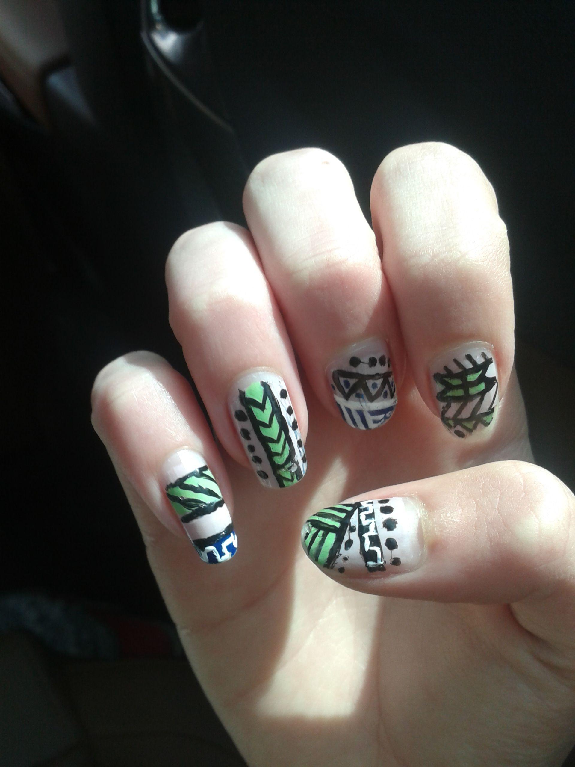 Aztec nailart