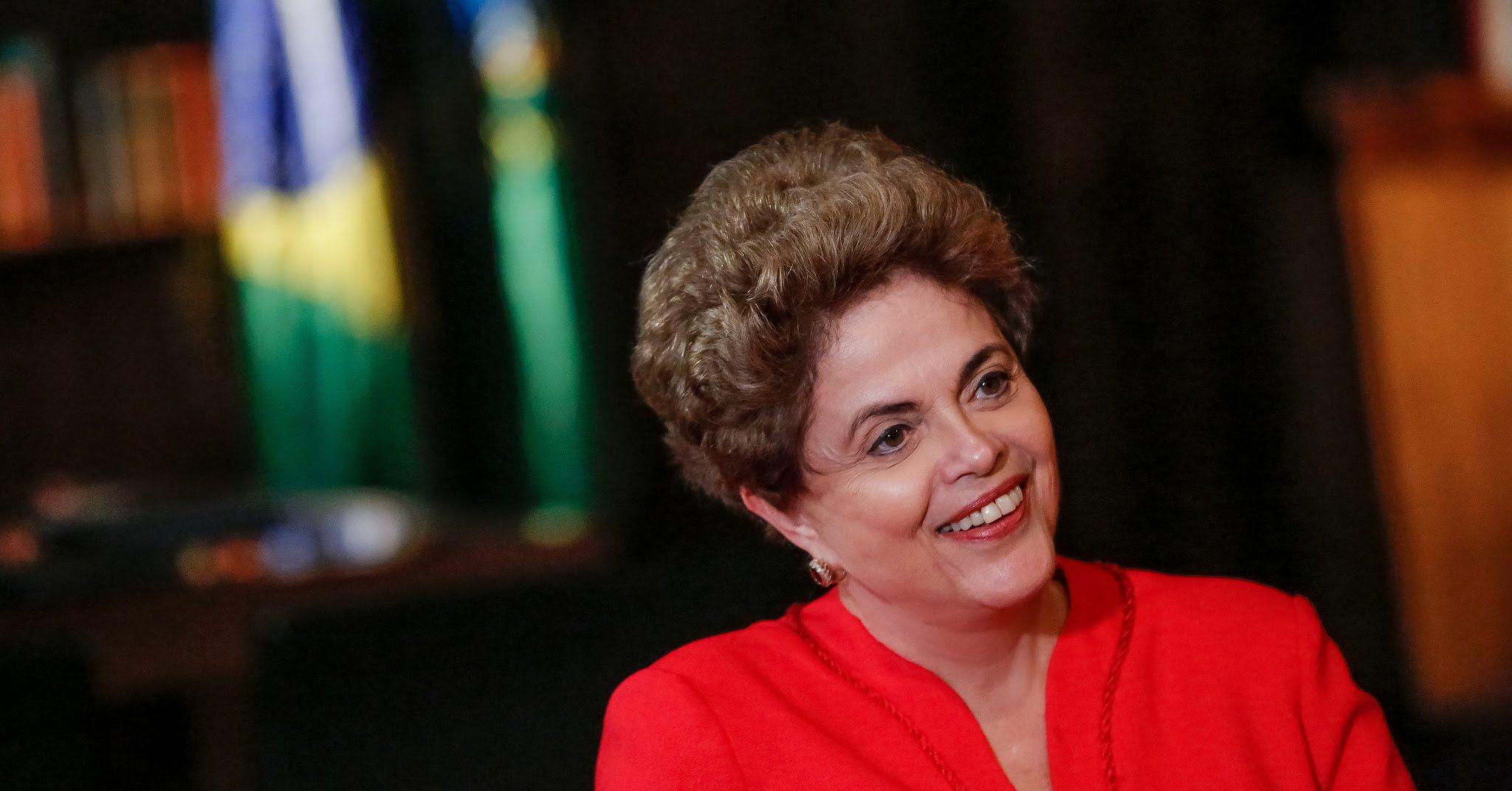 Ao vivo: Ato pela democracia com Dilma Rousseff em Brasília