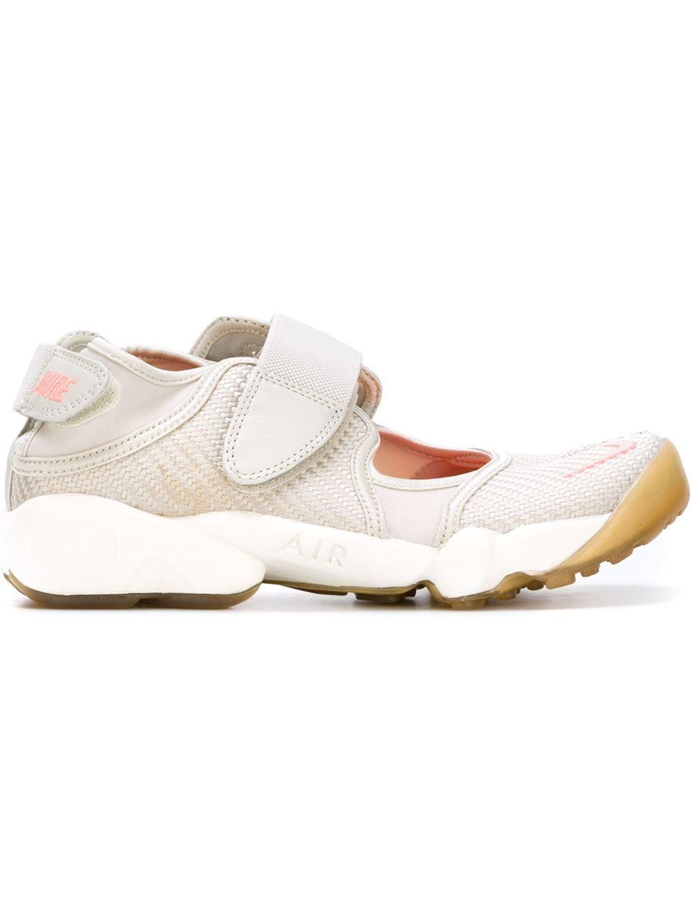purchase cheap f16ec 7a66a Nike  Air Rift  sneakers