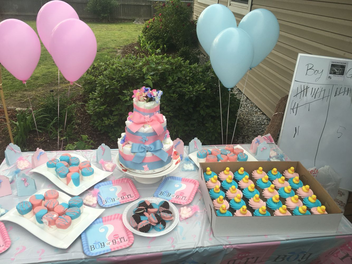 Affordable Gender Reveal Party Walmart Decorations And Sam S Club Cupcakes And Dollar Tree Favors Baby Shower Cakes Gender Reveal Decorations Shower Cakes