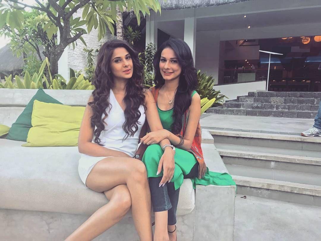 I will miss u both a lot.....Maya and saanjh....#jenniferwinget1  #anerivajani | Jennifer dress, Jennifer winget, Bollywood actress