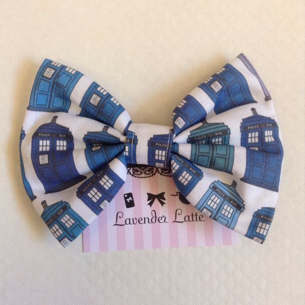 Large Doctor Who Hair Bow. TARDIS the Man in the blue box police box... (12 CAD) ❤ liked on Polyvore featuring accessories, hair accessories, bows, doctor who, blue hair accessories, hair bows, hair clip accessories, bow hair clips and alligator hair clips