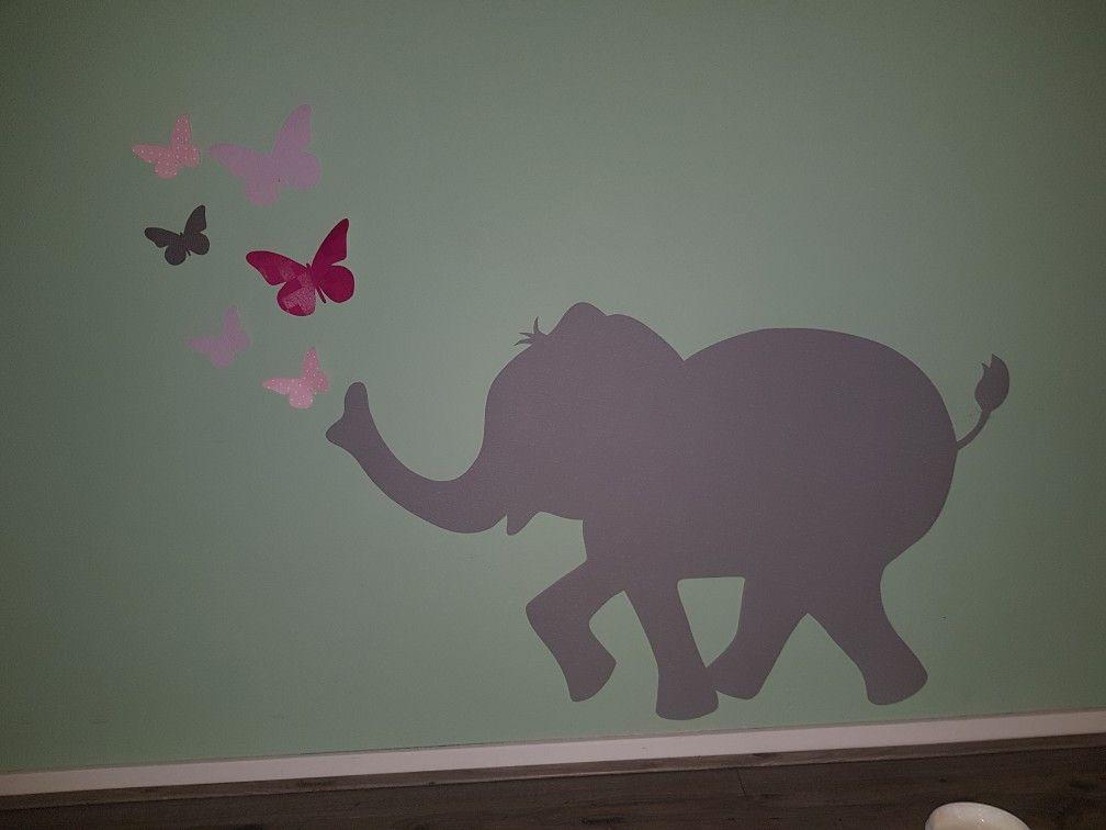 Babykamer Behang Konijn : Muurdecoratie babykamer en kinderkamer gemaakt van behang het