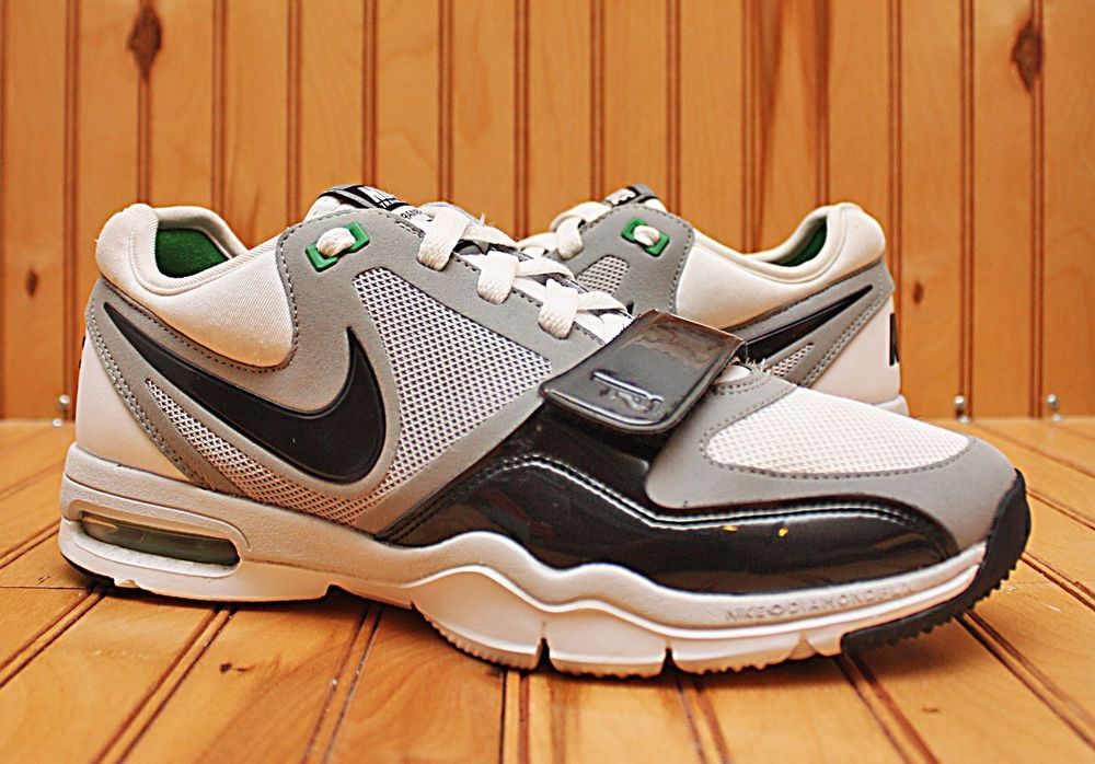 2011 Nike Air Max Trainer One Size 8