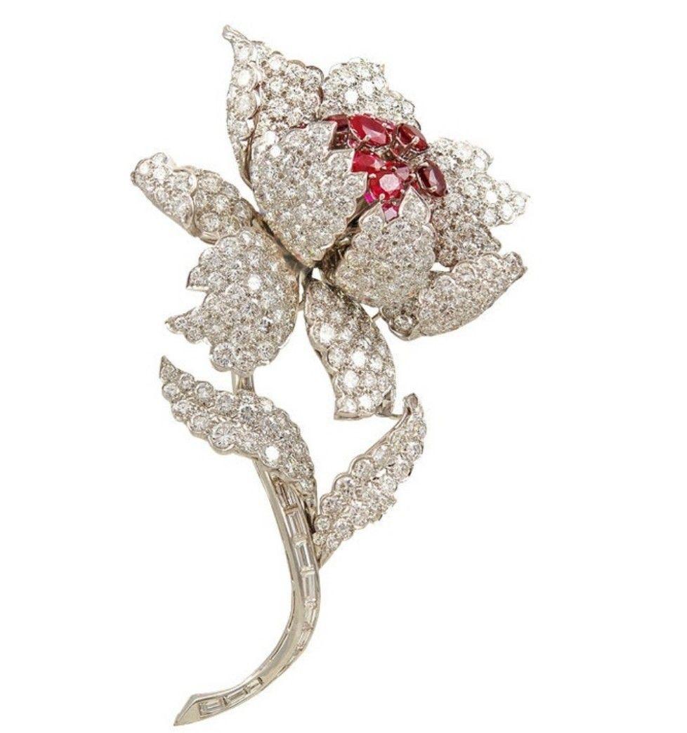 5429d8d91c5a6 HarryWinston #Ruby #Diamond #Flower #Brooch #Pins #Jewellery ...