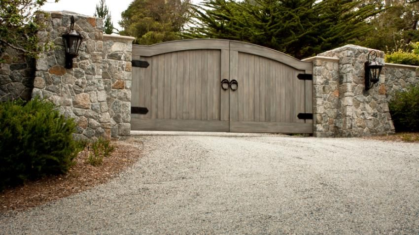 Massive Gate On Gravel Driveway We Are Building A House