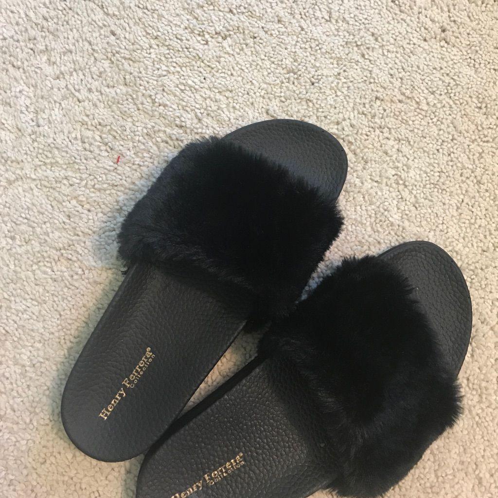 Black Fluffy Slides | Color: Black