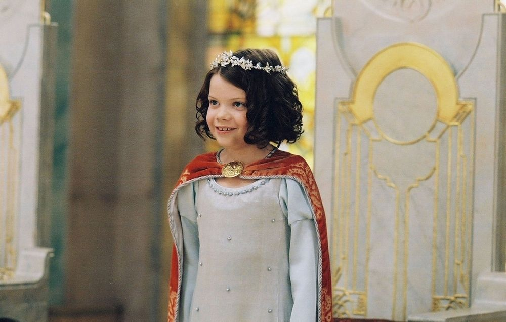Coronation Scene With Images Lucy Pevensie Narnia Costumes