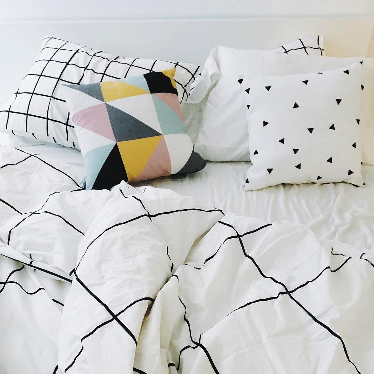 minimalist bed black duvet cover