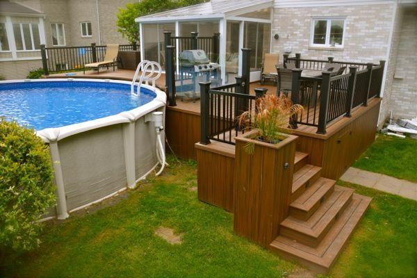 Patio pour piscine hors terre backyard pinterest for Patio exterieur arriere