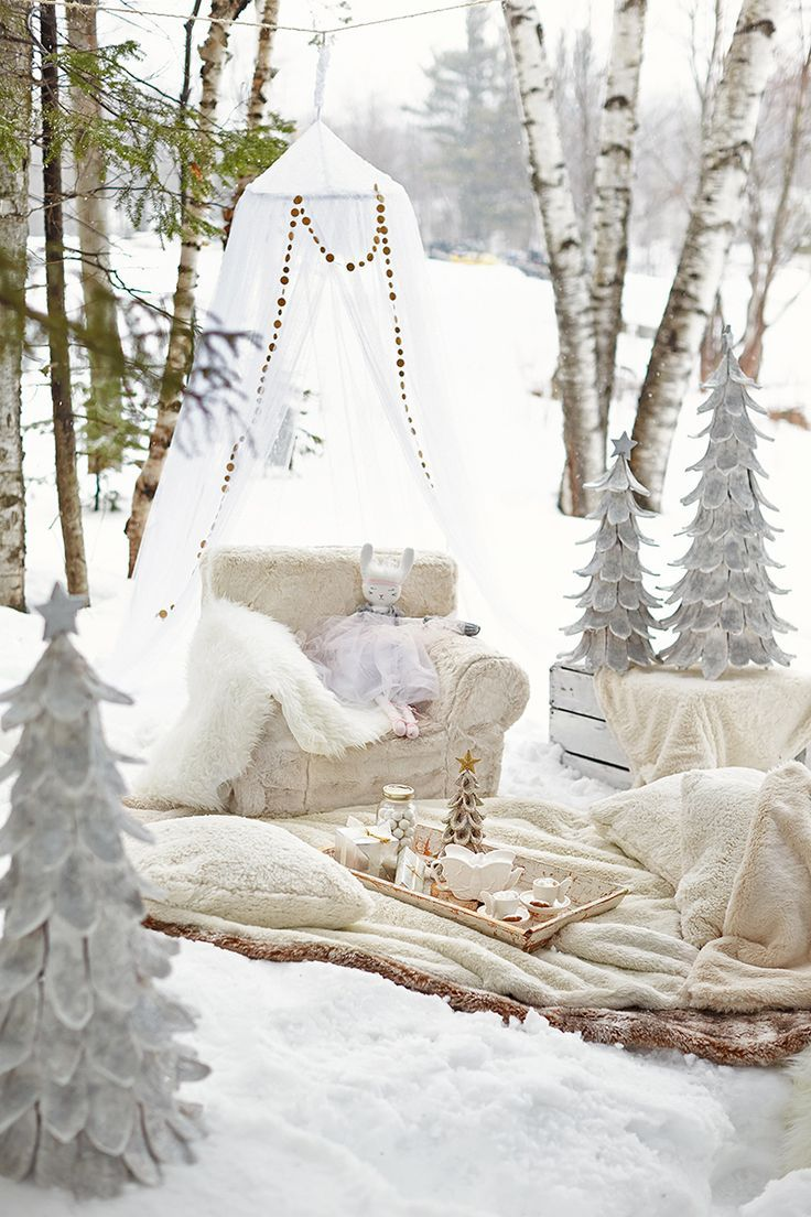 Magical and dreamy inspiration for a winter birthday party | winter ...