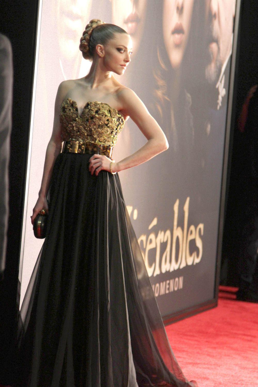 Amanda Seyfried : Primere of Les Miserables | Red Carpet ...