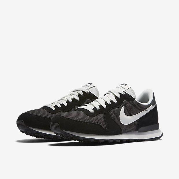 design intemporel 4f5bf f8a3a Chaussure Nike Internationalist pour Homme   Shoes en 2019 ...