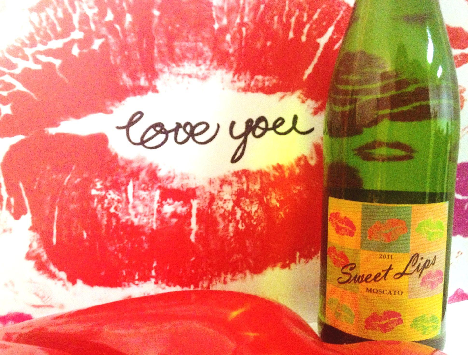 Sweet Lips Moscato Sweet Lips Alcoholic Drinks Wines