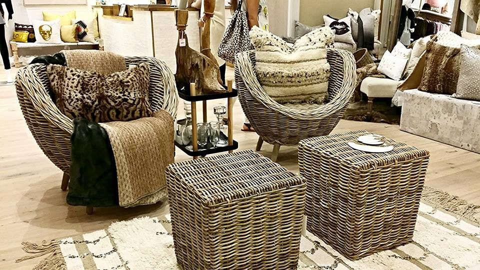 Stunning Home Décor In Rich Earth Tones.