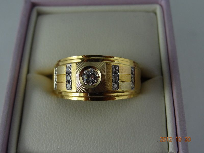 Gold Pre Loved 18ct Solid Yellow Gold Gents 18pt Diamond & 12Zircon Ring 10.7grm (eBay item 221147003043 end time 06-Nov-12 19:00:39 AEDST) : Jewellery Watches