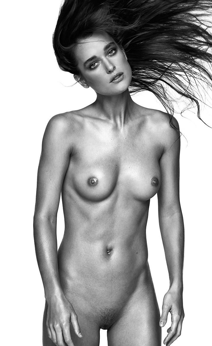 nude-model-mag