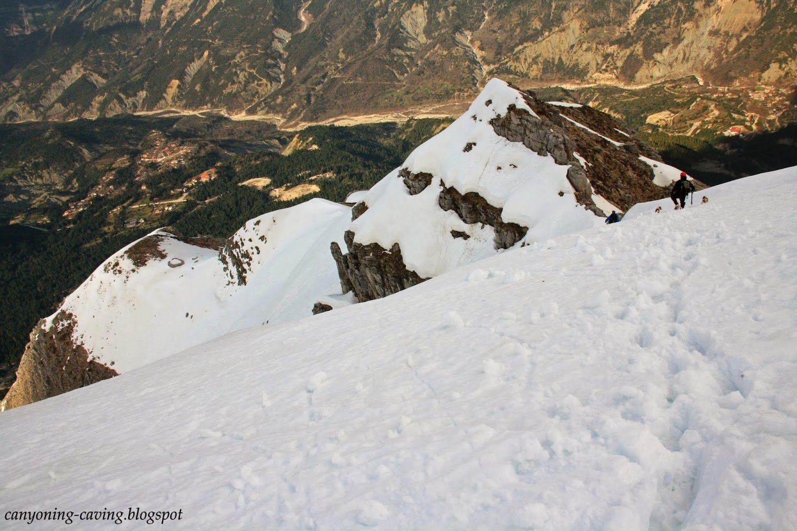 Descenting from Stroggoula peak at winter