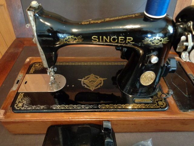 HEAVY DUTY SINGER SEWING MACHINE 40 RAF DECALS HEAVY DUTY NICE XTRAS Amazing 1951 Singer Sewing Machine Ebay