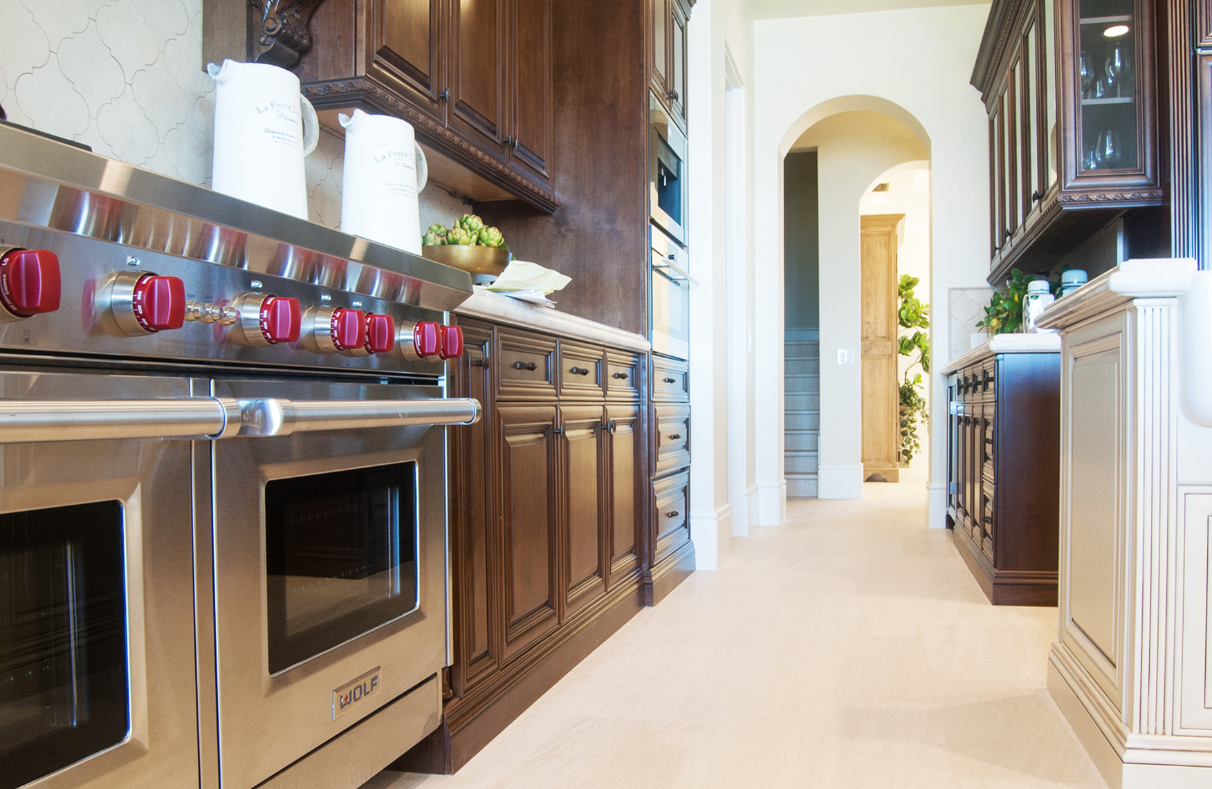 Classic style kitchen with sophisticated cabinetry and