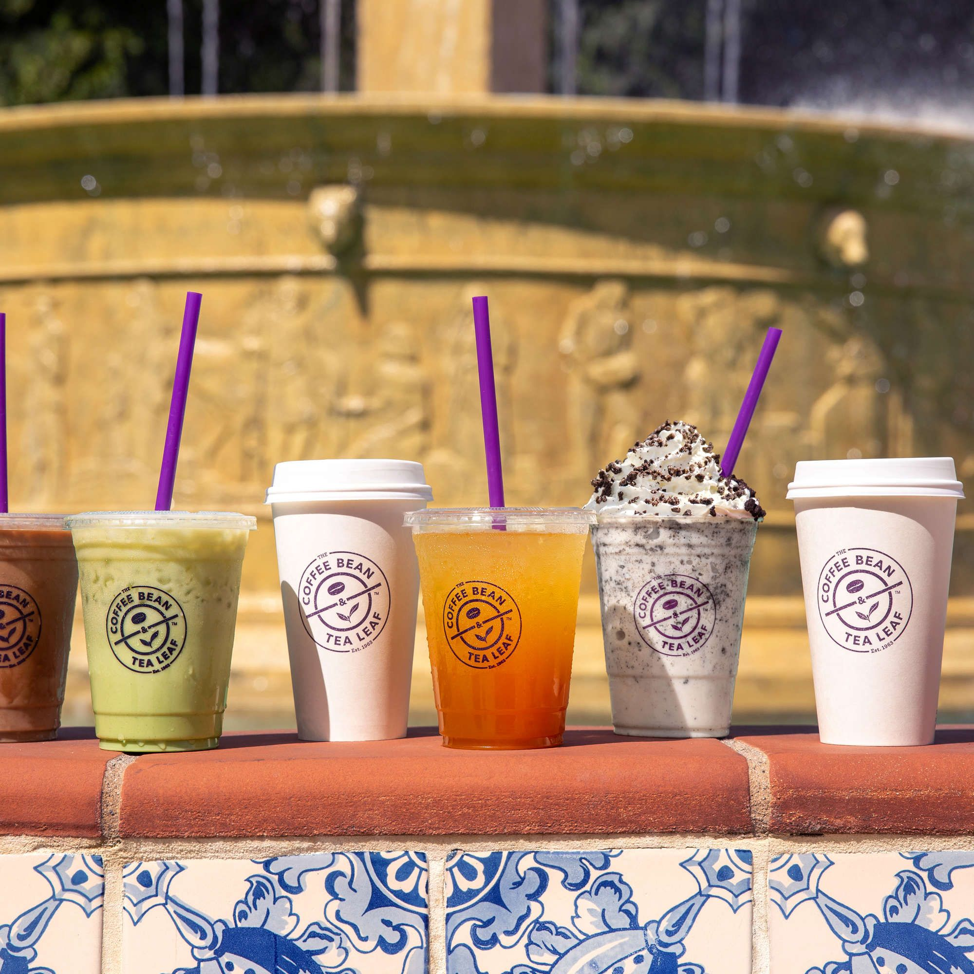 We Ranked All Of Coffee Bean Tea Leaf S New Friends Themed Drinks Mango Tea Tea Leaves Coffee Beans