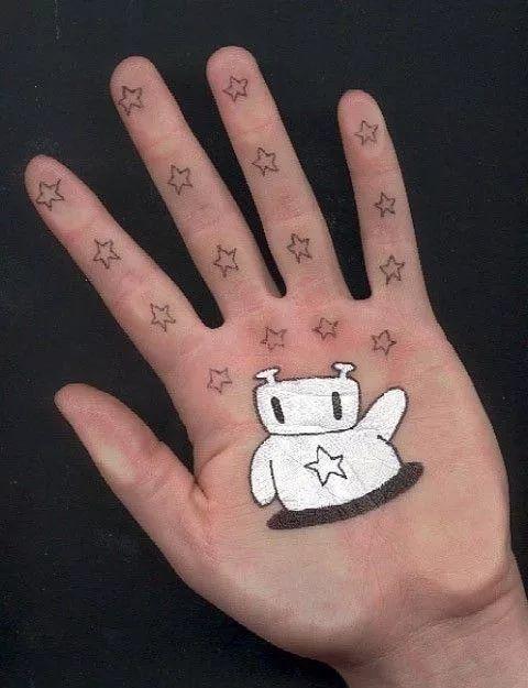 рисунки на руке фото ручкой