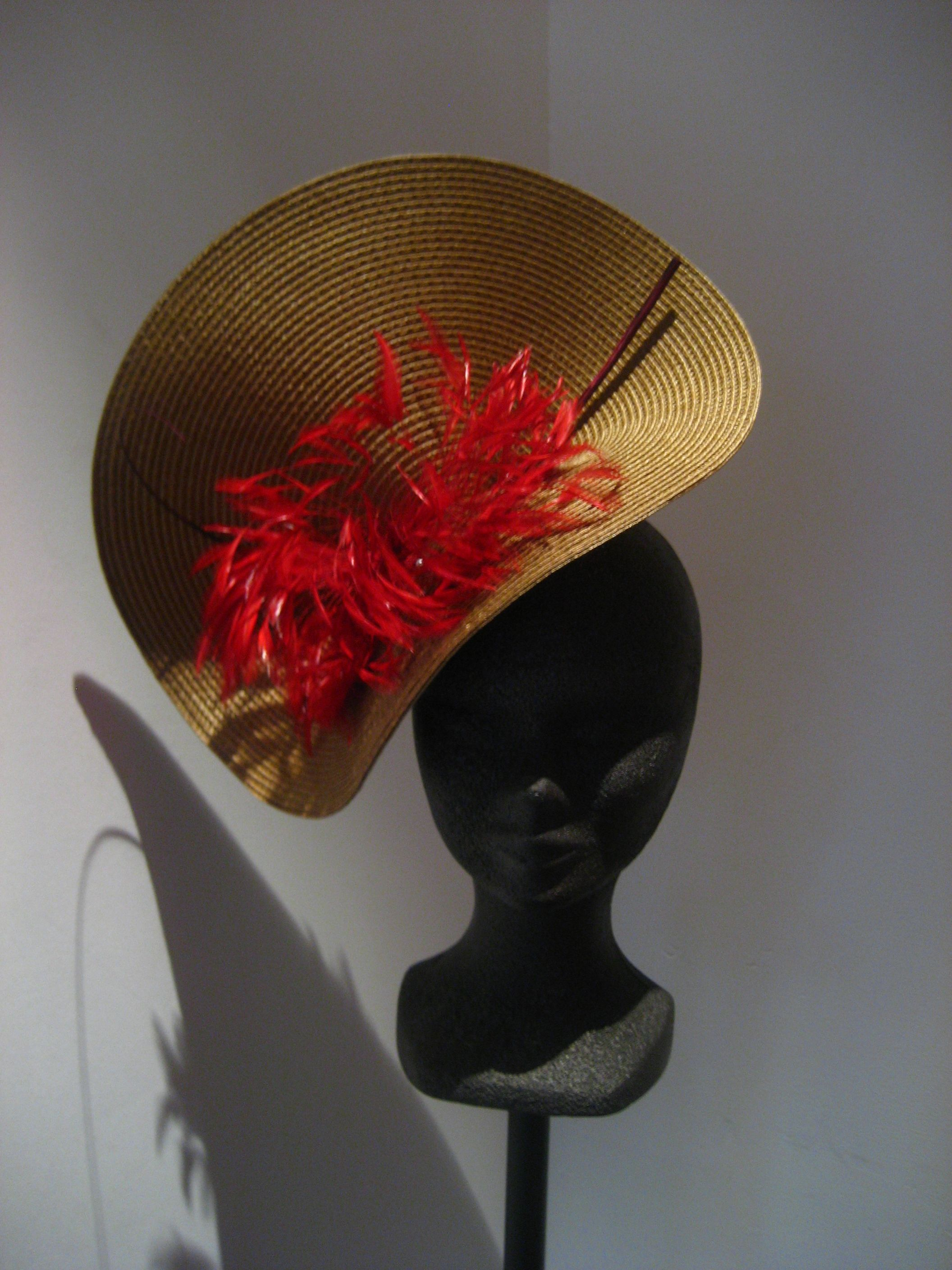 dabd07fdd8d5e fascinator with quil and orange feathers - Cap a di Carina