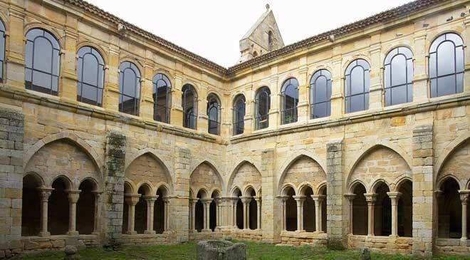 Monasterio De Santa María La Real Monumentos En Aguilar De Campoo Palencia En España Es Cultura Monasterios Santa Maria Monumentos
