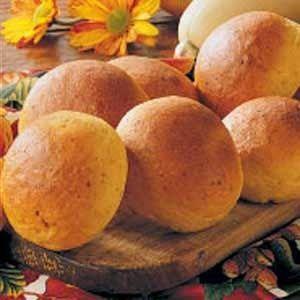Grandma's Vintage Recipes: Butternut Squash Dinner Rolls