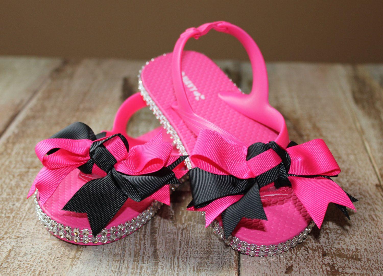 cac9e41785500 Girl s pink flip flops