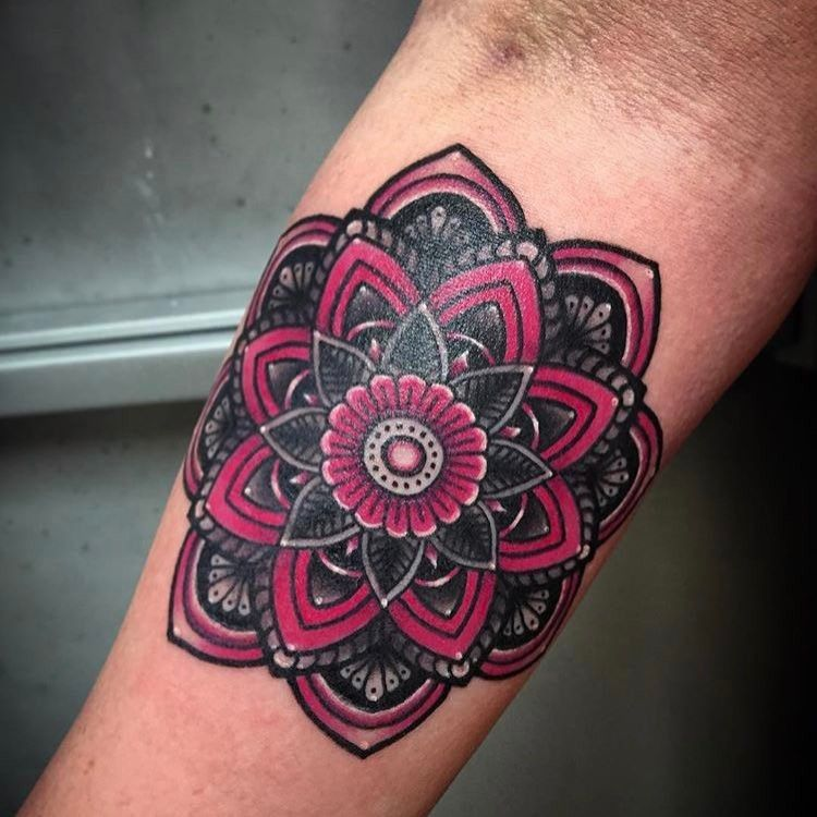 efadffbc6 50 of the Most Beautiful Mandala Tattoo Designs for Your Body & Soul ...
